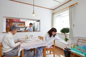 写真:重厚感あるレンガの二世帯住宅【小樽市・М邸】(2)