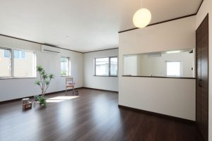 写真:重厚感あるレンガの二世帯住宅【小樽市・М邸】(3)
