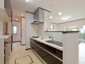 写真:お客様の声【千歳市・H邸】無垢材の床が期待以上に良い 評価80点(3)