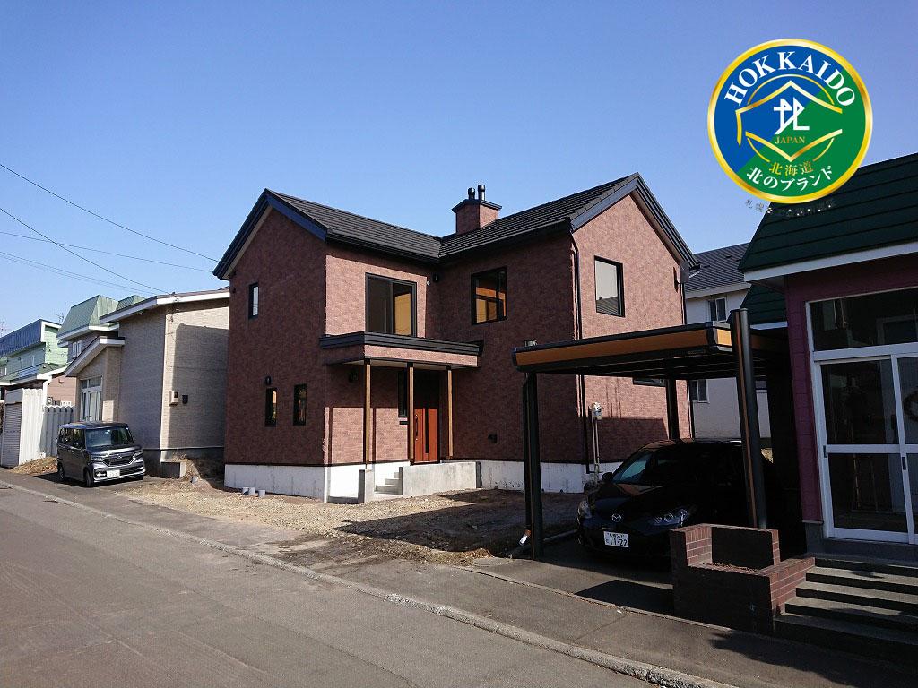 写真:ボルダリングを楽しむ吹抜けの家【札幌市 Kさま邸】(1)