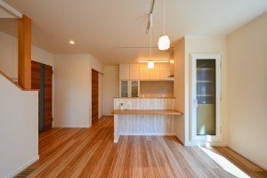 写真:ボルダリングを楽しむ吹抜けの家【札幌市 Kさま邸】(2)